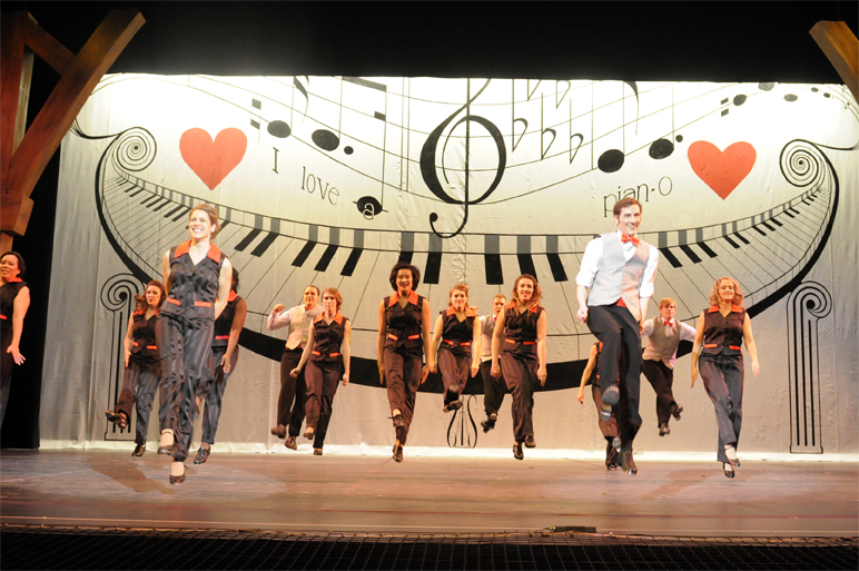 Orpheus Musical Theatre Society, White Christmas